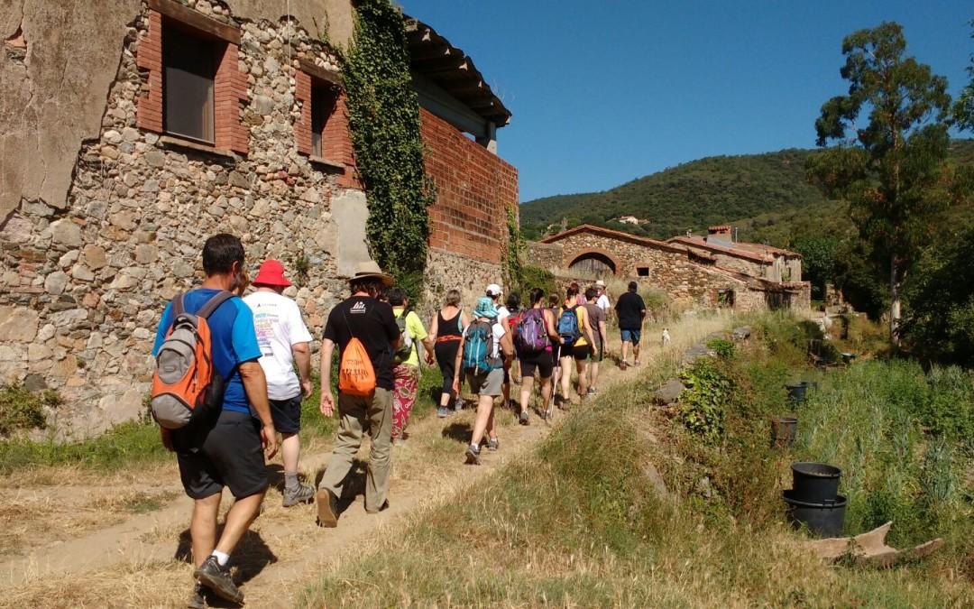 La columna de Llevant arriba a Sant Esteve i Vallgorguina abans d'entrar al Maresme